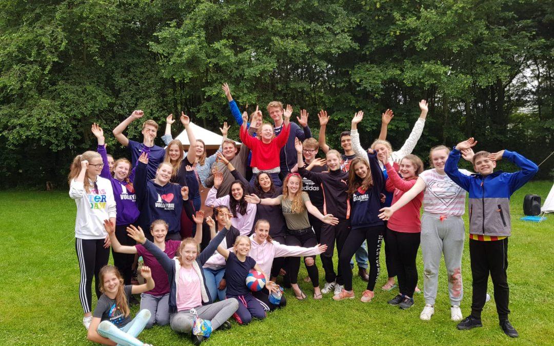 Terugblik jeugdkamp: nat maar beregezellig