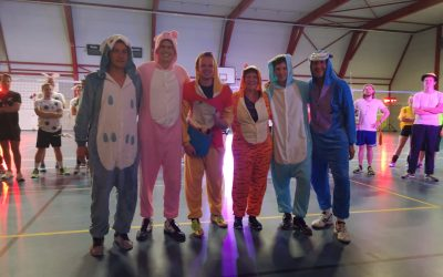 Mooie afsluiting jubileumseizoen met leuk cartoon volleybaltoernooi